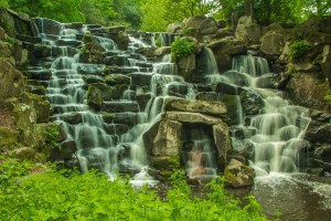waterfall-851041_1920
